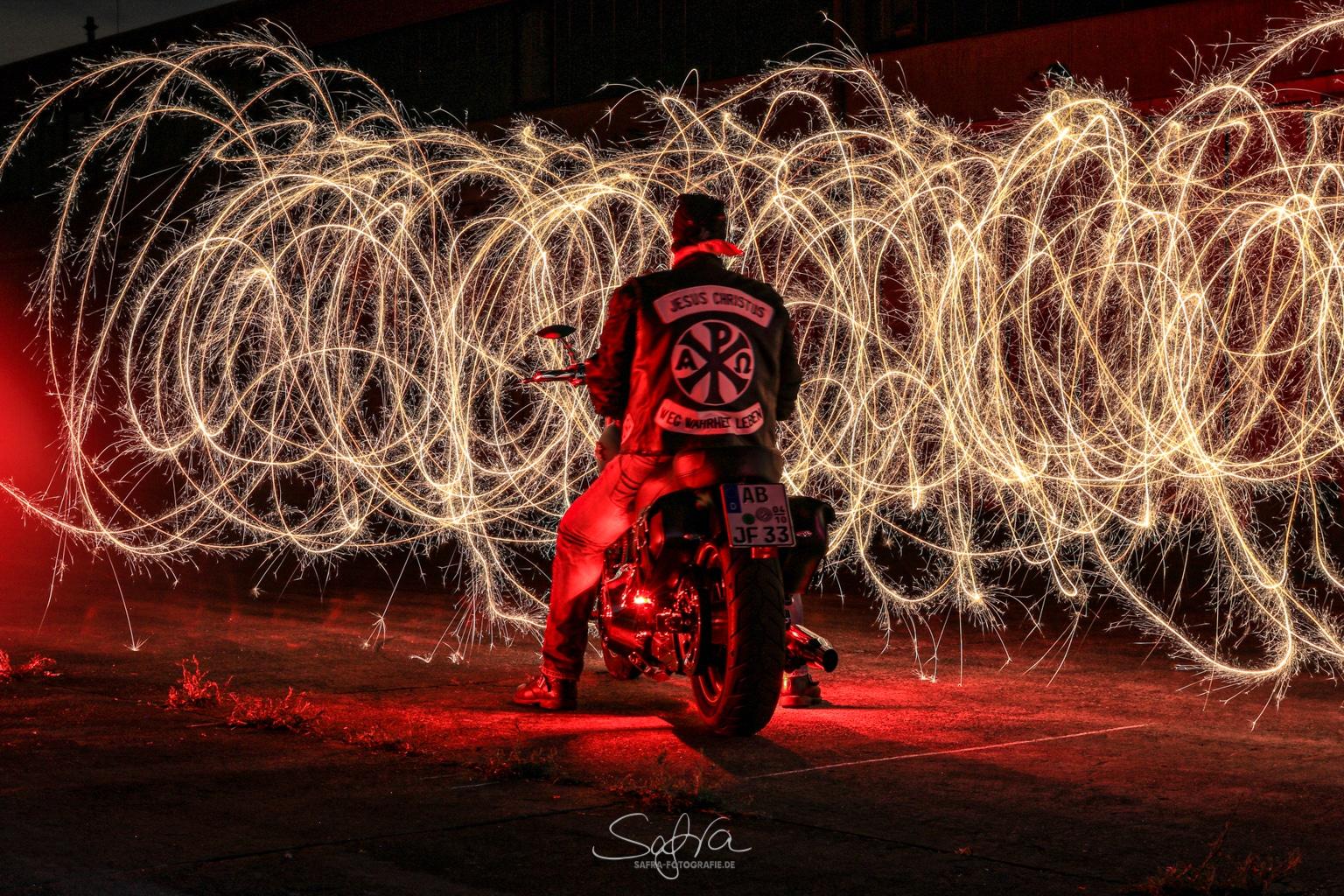 Lightpainting, Jesus Biker