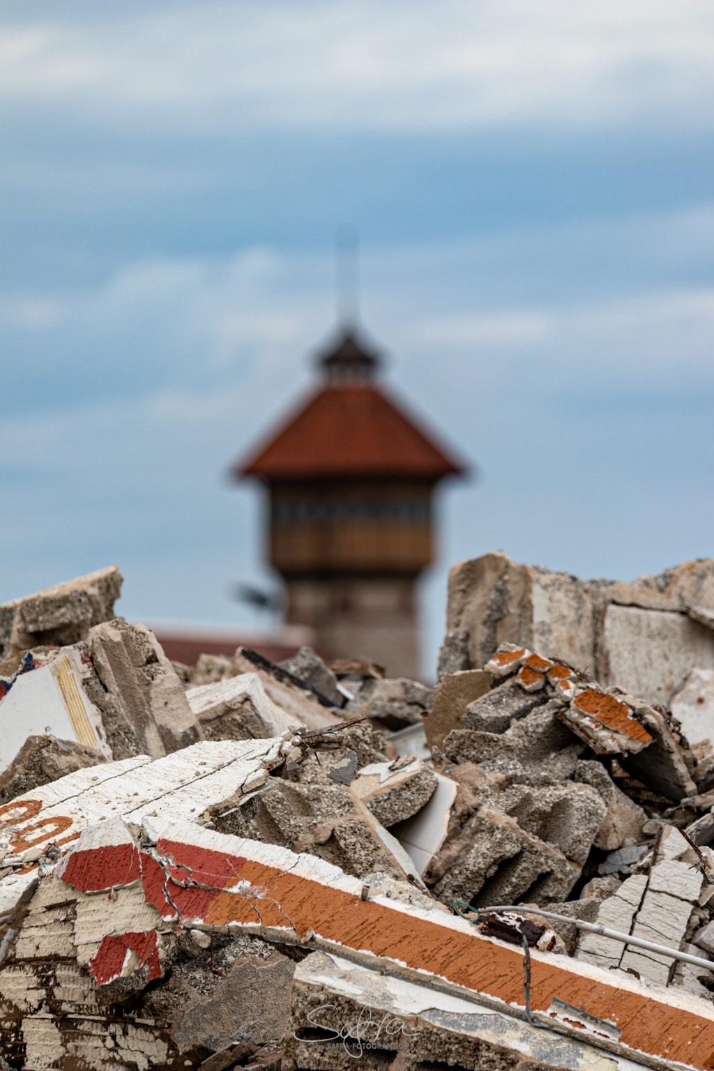 Babenhausen, ehemalige Kaserne, Abriss vo dem alten Wasserturm