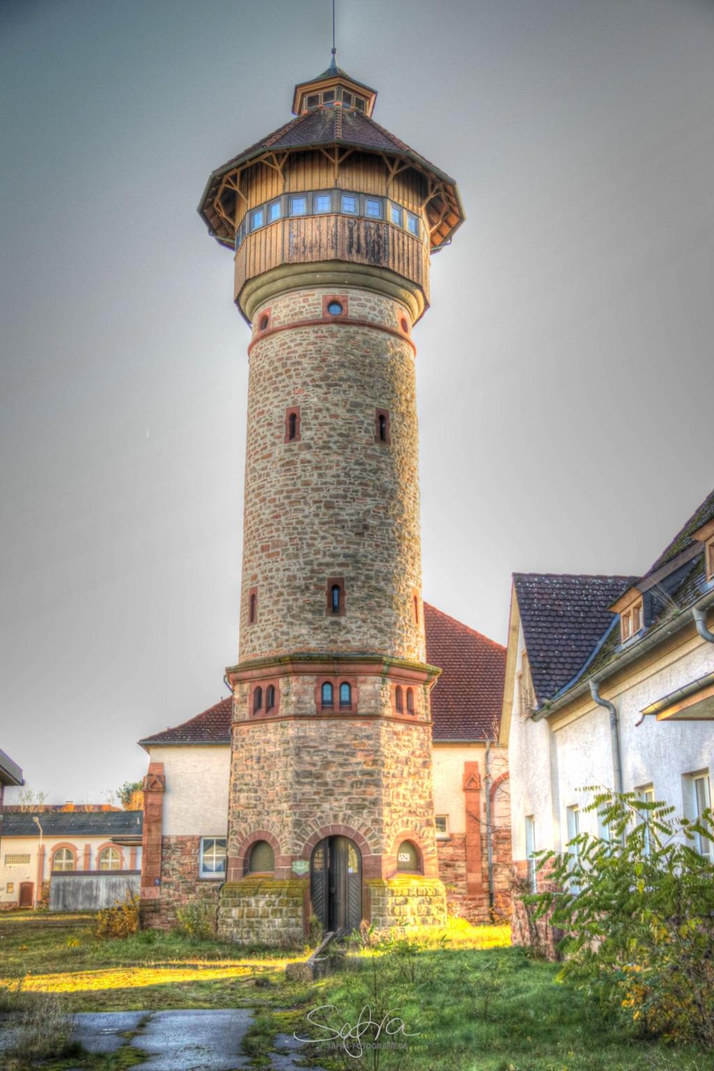 Babenhäuser Kaserne, alter Wasserturm, HDR