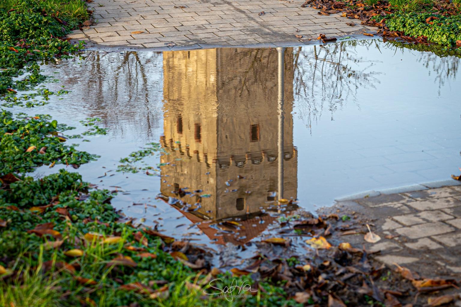 Babenhausen, Hexenturm gespiegelt