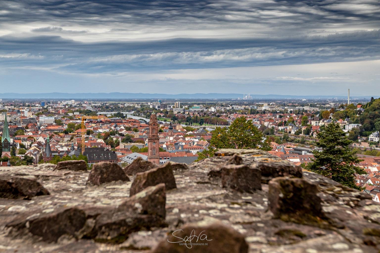 Heidelberg, Blick über Mauer